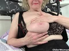 Sperma fressende Granny Schlampe im Einsatz
