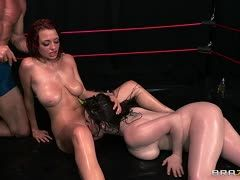 Tessa Lane mit Jessica Robbin beim Fight